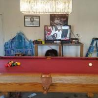 Brunswick 8-Foot Pool Table & Light
